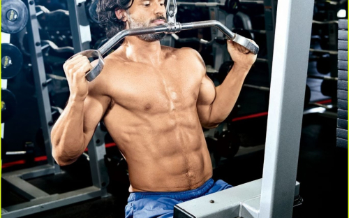 Celeb-diary-joe-manganiello-in-muscle-fitness-ianuarie-2014
